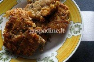 Vištienos kepsneliai su grybais ir sūriu