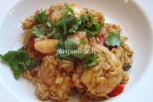 Kantonietiški ryžiai ir krevetės