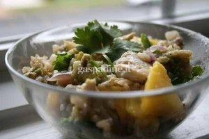 Vištienos, ryžių, avokado ir mango salotos