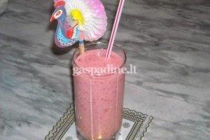 Jogurtinis braškių kokteilis