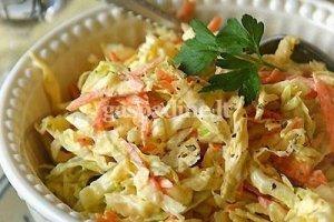 Saldžiarūgštės kopūstų salotos