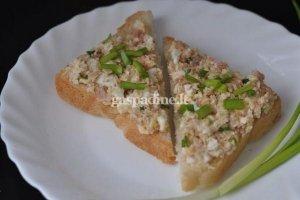 Sumuštiniai su konservuotu tunu
