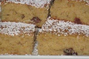 Obuolių pyragas su razinomis
